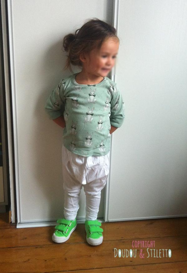 Sarouel Eliane et Lena, t-shirt Mini Rodini, chaussures 10is