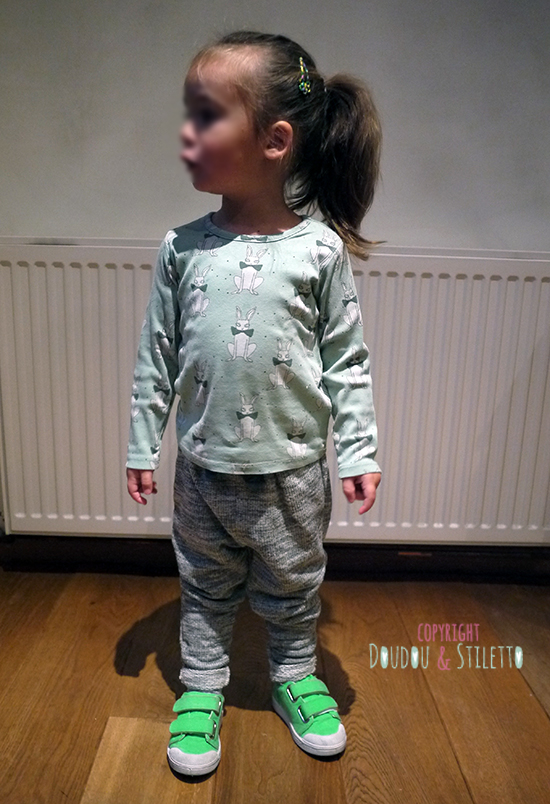 T-shirt Mini Rodini, jogging Zara, chaussures 10is