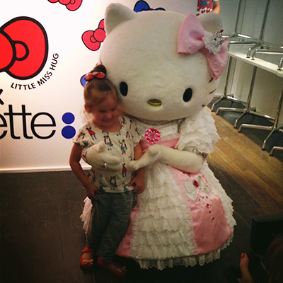 Madame Câlin Hello Kitty Colette