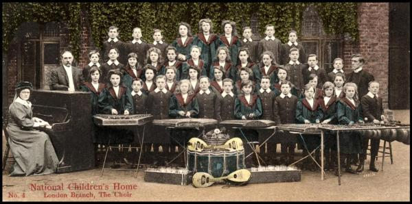 Hammered Dulcimers and other instruments in The National Chilrdren's Home Choir - London Branch