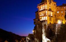 cliffhanging-spanish-homes
