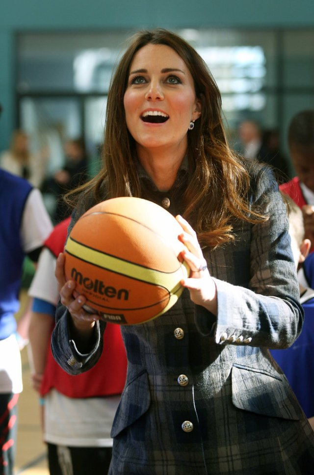 Kate-Middleton-Playing-Sports-Pictures