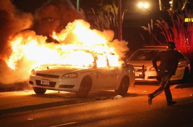 Ferguson Rioting 12