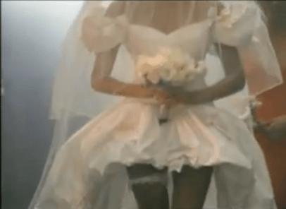 "Bride in ""November rain"" | Wedding dresses of celebrities"