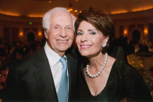 Dr. Gail Gross and husband Jenard Gross at the 2013 Jung Center Benefit Event