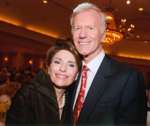 Dr. Gail Gross with Mike Huffington at the 2013 Jung Center Benefit Event