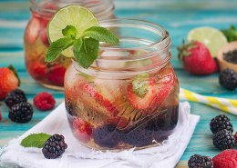 Instagram_All-Natural-Berry-Iced-Tea