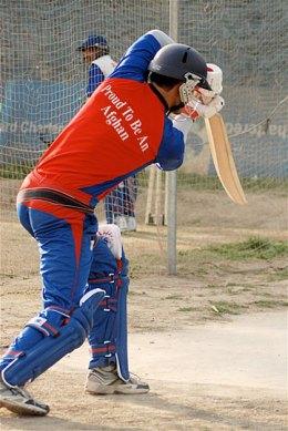 """""""Stolz, ein Afghane zu sein"""" -- vor dem Hintergrund von Krieg und Armut begleitet die Dokumentation den außergewöhnlichen Weg einer afghanischen Cricket-Mannschaft. Bild: ARTE F"""