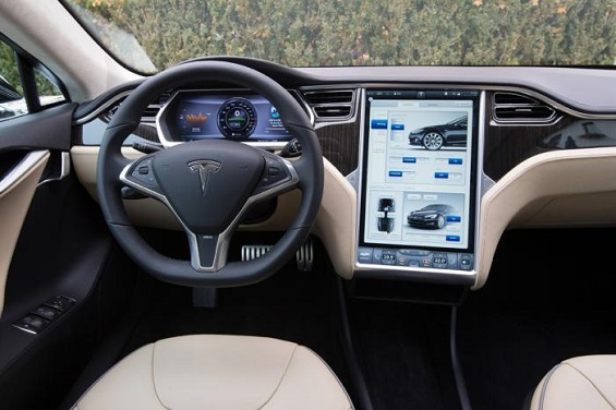 Tesla cars will be semi-autonomous in three years