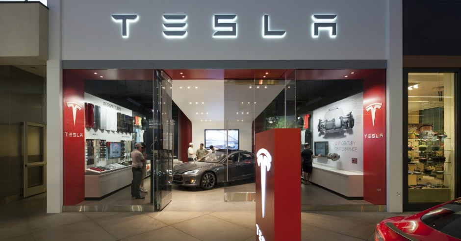 11.21.16 - Tesla Dealership