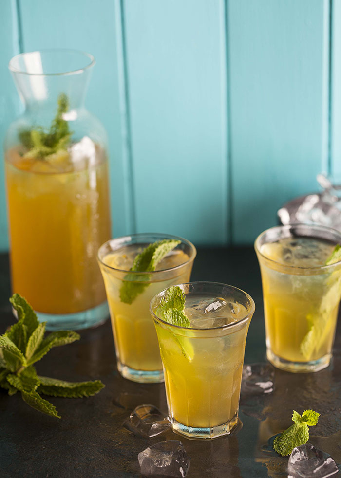 chamomile iced tea with apple and passionfruit