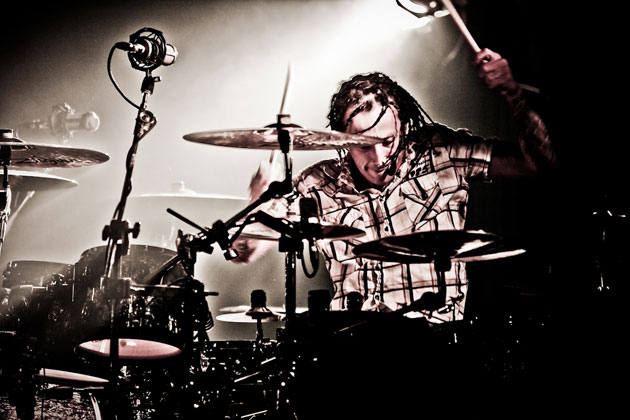 morgan-rose-of-sevendust-on-the-attack