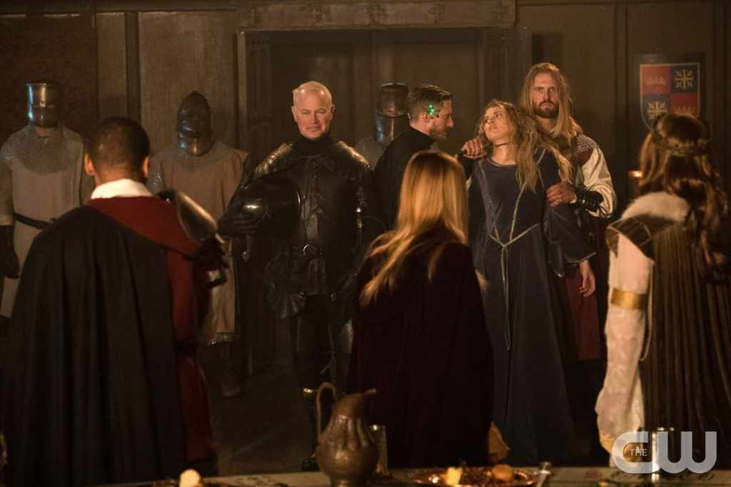 "DC's Legends of Tomorrow --""Camelot/3000""-- LGN212b_0504.jpg -- Pictured (L-R): Neal McDonough as Damien Darhk, Arthur Darvill as Rip Hunter, Sarah Grey as Stargirl and Nils Hognestad as King Arthur -- Photo: Jack Rowand/The CW -- © 2017 The CW Network, LLC. All Rights Reserved"