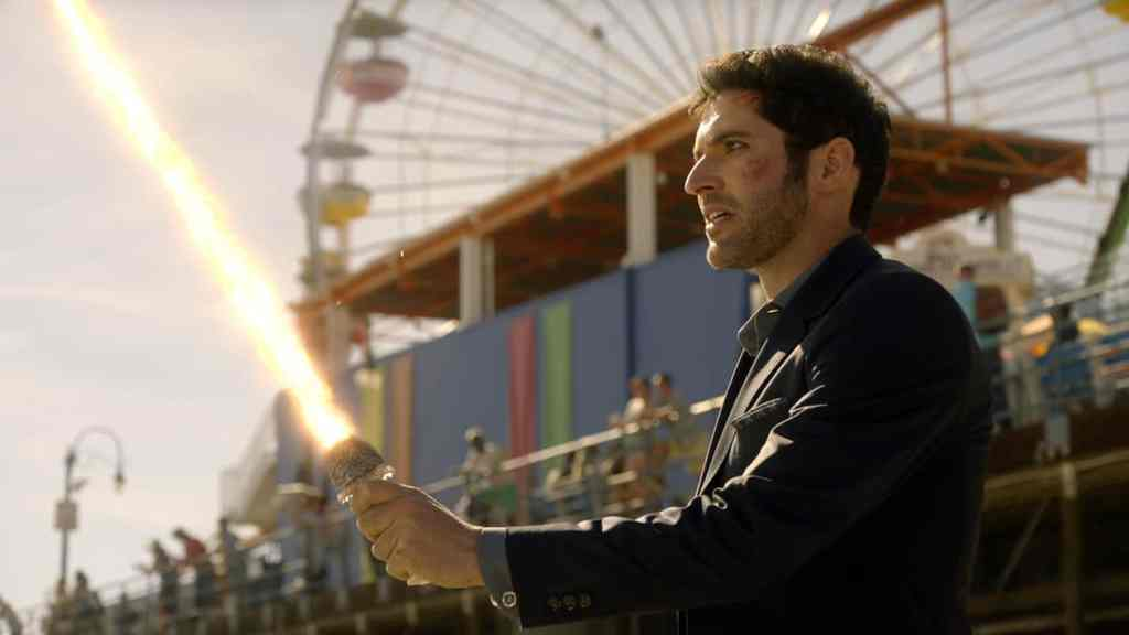 """LUCIFER: Tom Ellis in the """"The Good, the Bad and the Crispy"""" season finale episode of LUCIFER airing Monday, May 29 (9:01-10:00 PM ET/PT) on FOX. Cr: FOX"""