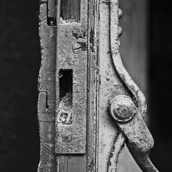 door-211761_1920