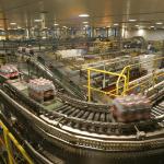 Tren volume penjualan industri minuman ringan minus 3%-4% di kuartal I 2017.