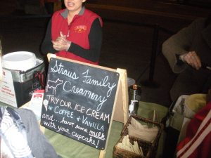 Straus Fam ice cream-Duo Dishes