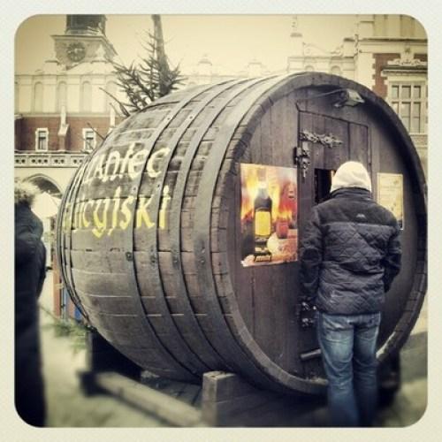 Grzaniec galicyjski na krakowskim rynku zima