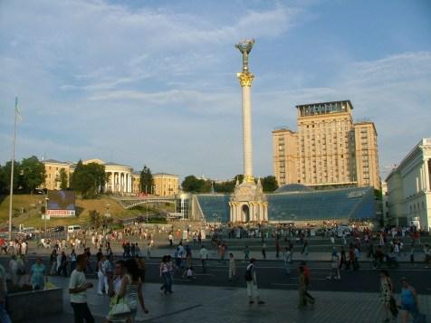ukraina-kijow-euromaidan-plac-niezaleznosci-niepodleglosci-lato-atrakcje-23