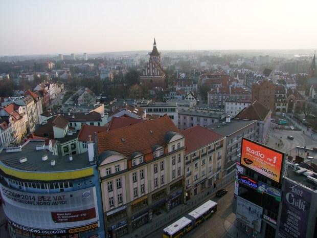 olsztyn-ratusz-widok-na-stare-miasto-wieza-panorama