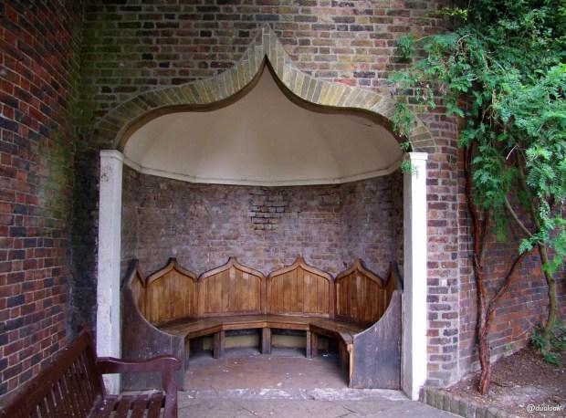 parki-w-londynie-holland-park-kensington-chelsea-piekne-atrakcje-stolicy-wlelkiej-brytanii-15