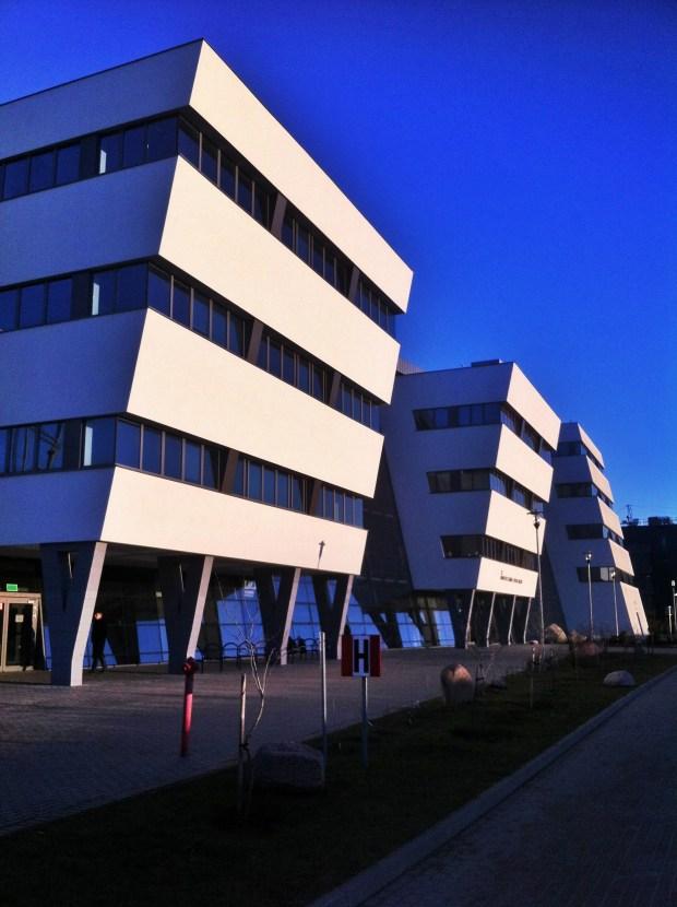 budynek-kampus-uniwersytetu-gdanskiego-wydzialu-biologii-architektura