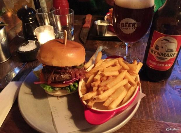 coqbull-burger-irlandzka-wolowina-farma-frytki-chipsy-kuchnia-irlandzka-co-zjesc-w-limerick