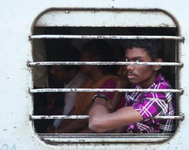 Photography-Indian-train-mark-sherratt-01-580x400