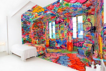 interior-design-hotel-room-graffiti-by-tilt-01