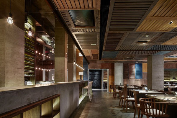 Japanese restaurant design based on the contemporary old