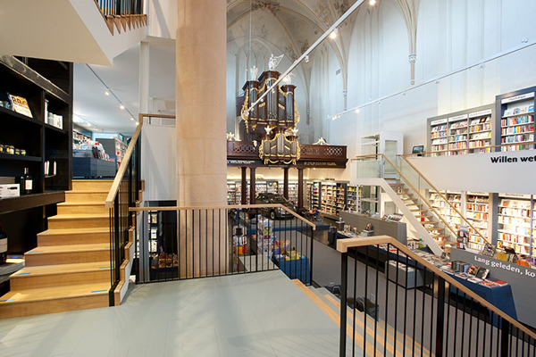 broerenkerk-church-transformed-into-a-bookstore-zwolle-netherlands-05
