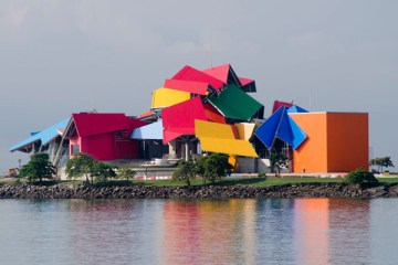 frank-gehry-biomuseum-in-panama-01