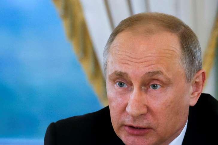 Kremlin warns Washington against striking Assad's forces