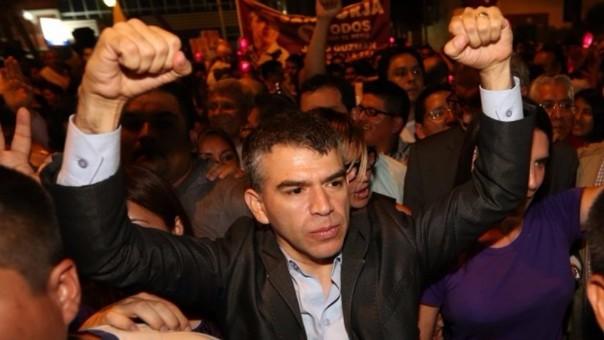 Julio Guzmán asegura que pronto se sabrá quienes estuvieron detrás del pedido de dinero para favorecerlo.