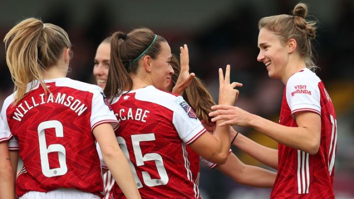 Vivianne Miedema scored a hat-trick as Arsenal Women demolished Tottenham Women to claim the north London bragging rights