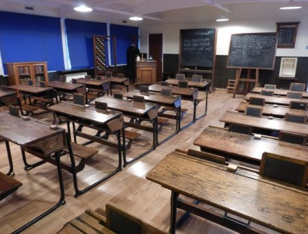 Leith Walk Primary school Victorian classroom