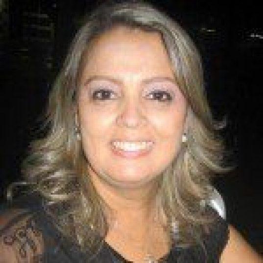ANDRÉA REIS