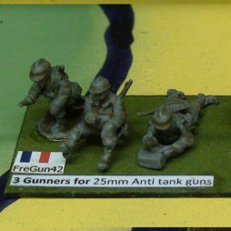 3 Gunners for 25mm Anti tank guns