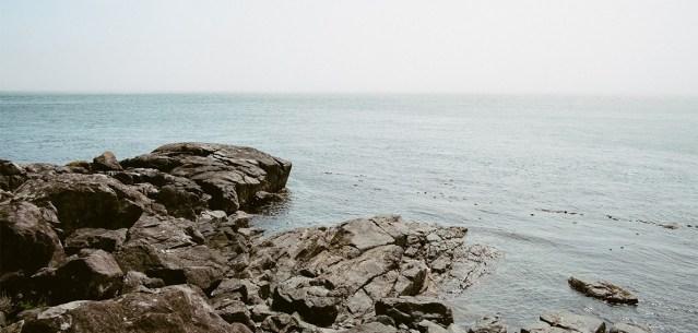rocks-by-the-ocean.png