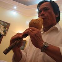 Khanh plays the ken