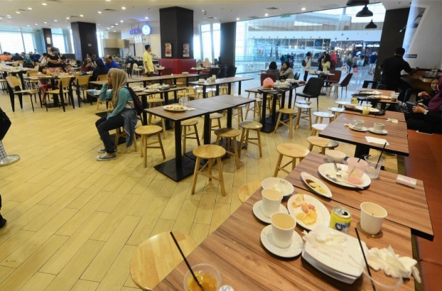 Foreign-worker-crackdown-IOI-City-Mall