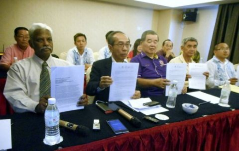 Food operators associations want govt to reconsider freeze on new foreign workers Read More : http://www.nst.com.my/news/2016/04/138985/food-operators-associations-want-govt-reconsider-freeze-new-foreign-workers