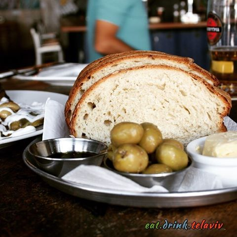 bread at continent in telaviv