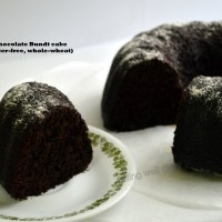 Super-moist Chocolate Bundt cake (egg-free, butter-free, whole-wheat)
