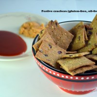Healthy Festive Baked Crackers (gluten-free, oil-free, vegan)