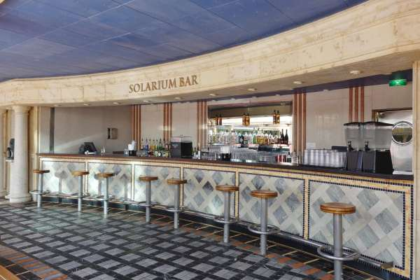 Solarium Bar on Adventure of the Seas