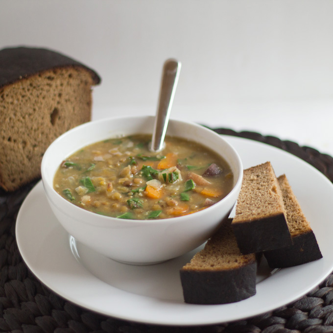 Pressure Cooker Lentil Soup | http://www.eatwithinyourmeans.com