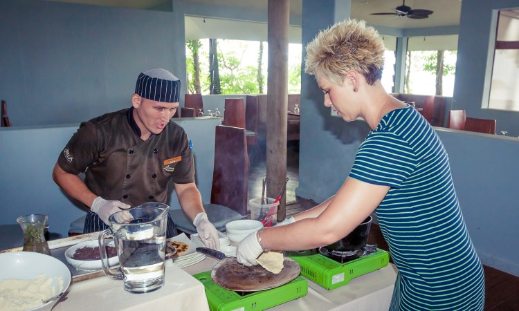 Looking for an authentic culinary class while visiting Costa Rica? Arenas del Mar Resort offers a 2 hour class filled with fun and amazing dishes.