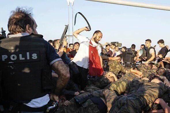 MAN HITS TURKEY SOLDIERS 16-07-16