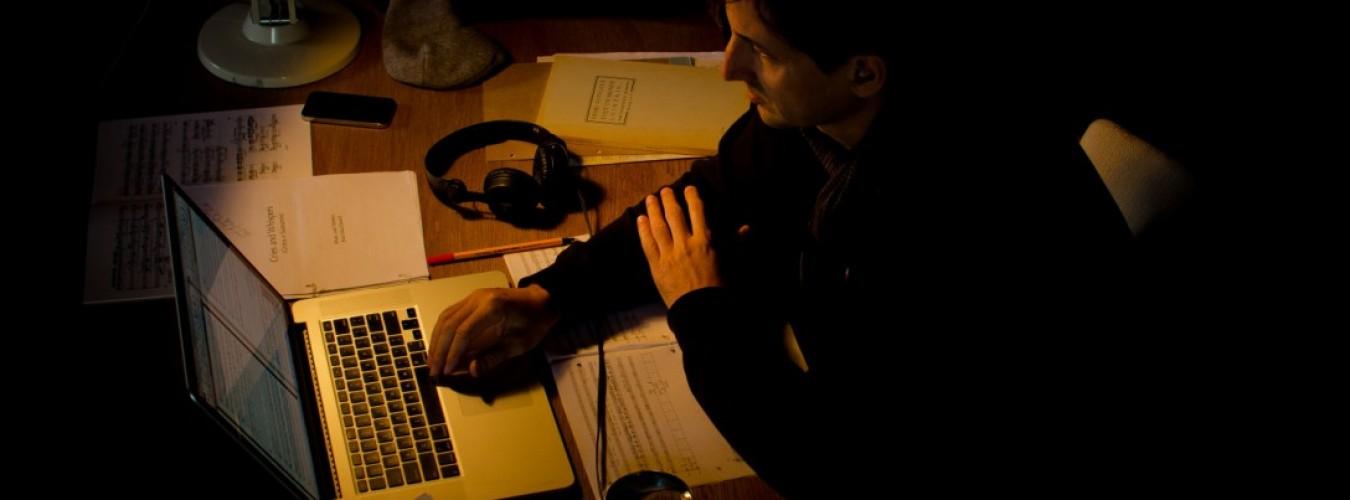 cropped-cropped-cropped-Joao-at-Bergman-Desk-color-photo_Juliana_Katz.jpg